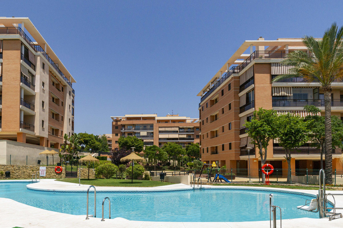 Superb modern family apartment home. Located in a much sought after urbanization with sauna, gym, pa, Spain
