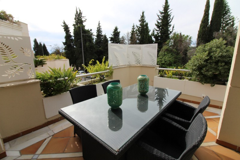 Lovely very large two bedroom apartment with a great location in the  area of Nueva Andalucia, Marbe,Spain