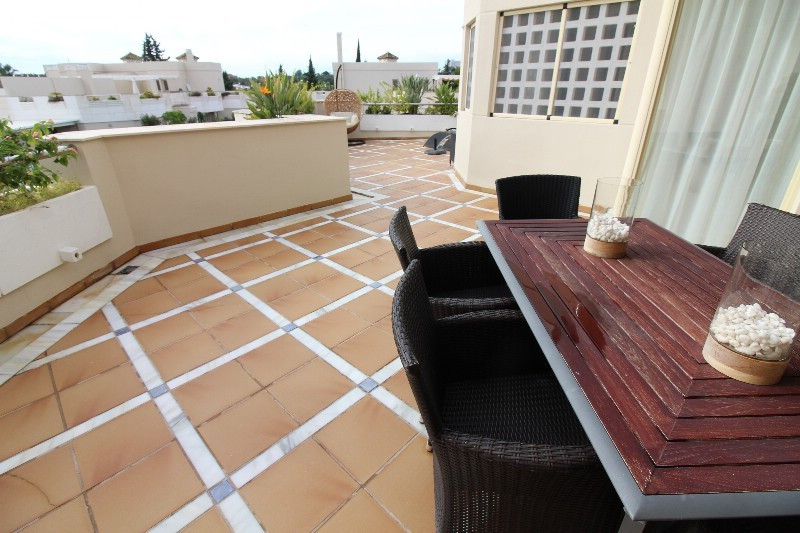 Beautiful very large one bedroom apartment with a great location in the  area Nueva Andalucia, Marbe,Spain