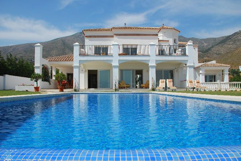 Villa Til salg i Mijas R3540010
