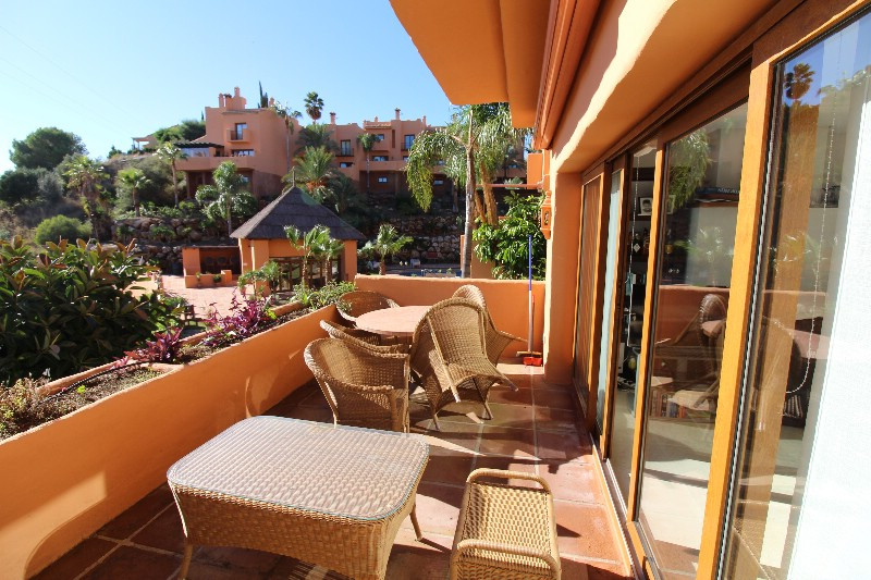 Super nice terraced house located in a closed area, associated with a beautiful pool area and beauti,Spain