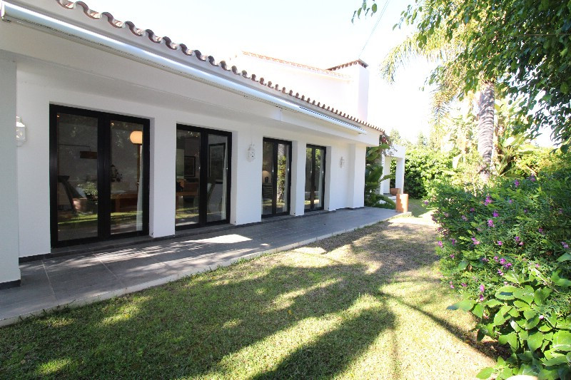 Villa – Chalet en venta, Cortijo Blanco – R3397300