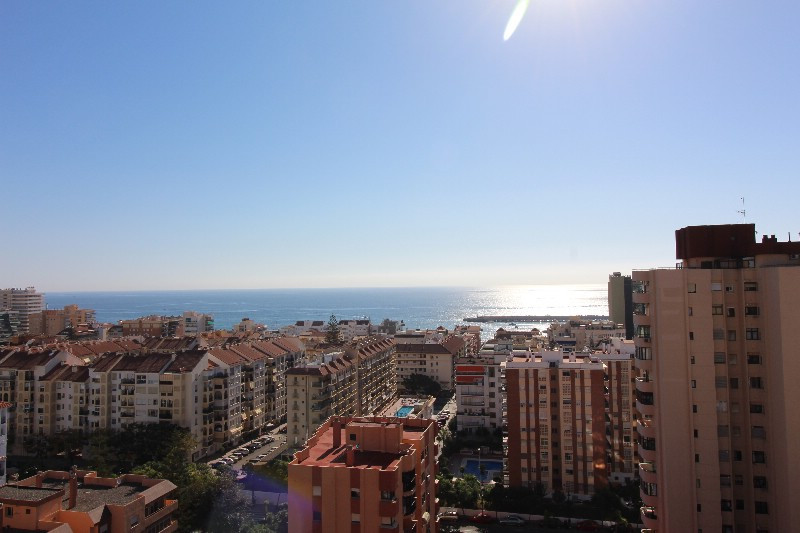 Penthouse with beautiful sea view located in the center of Fuengirola within easy reach of shops, re,Spain