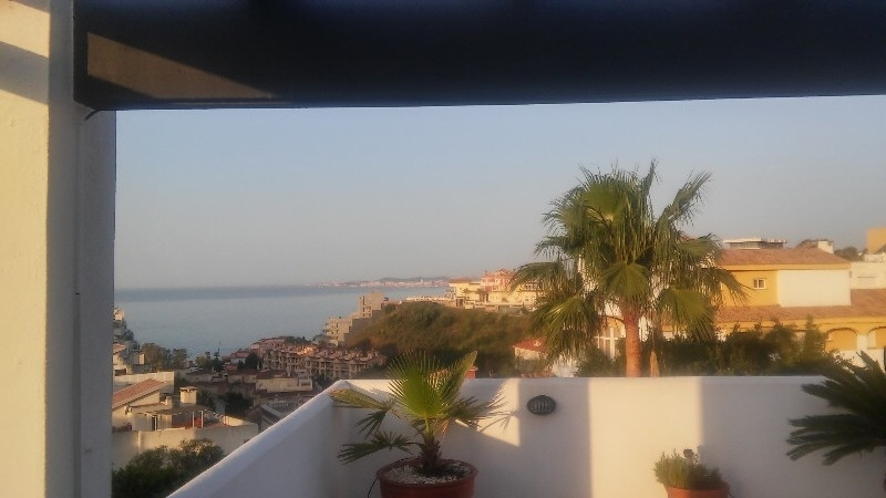 Beautiful penthouse apartment located within walking distance to the sea and shopping. The apartment,Spain
