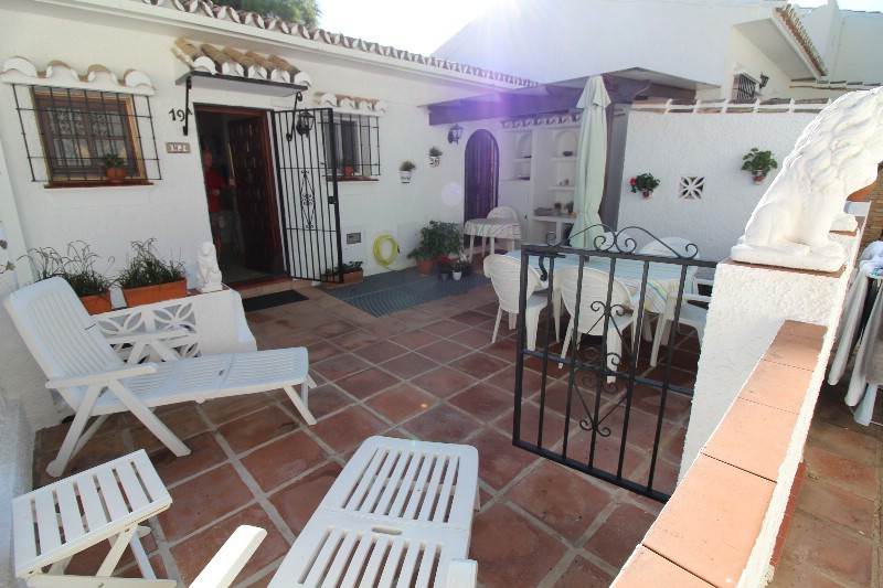 Super cosy apartment, with a fantastic patio where there is plenty of space for barbecuing, sunbathi, Spain