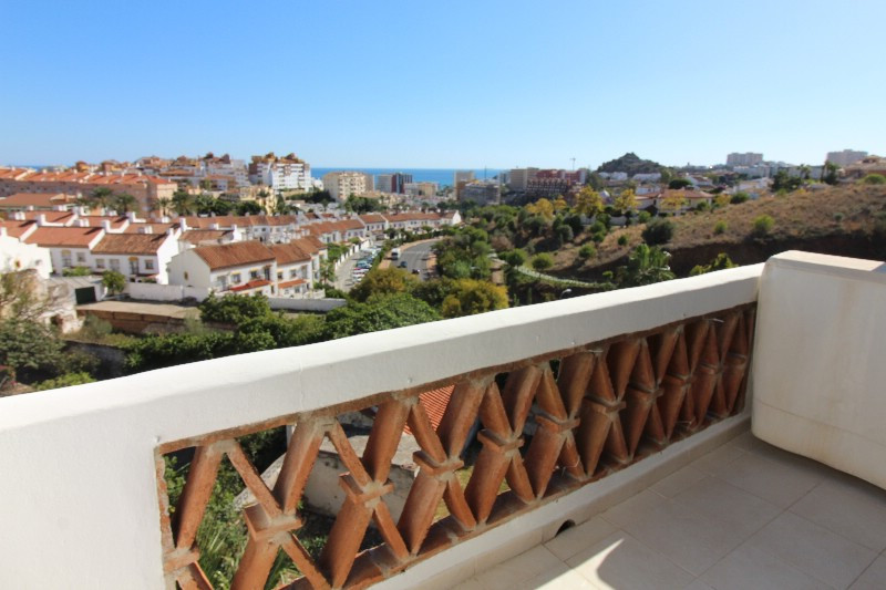 Nice penthouse apartment of 93m2 plus 14m2 terrace covered with sliding roof. The apartment is very ,Spain