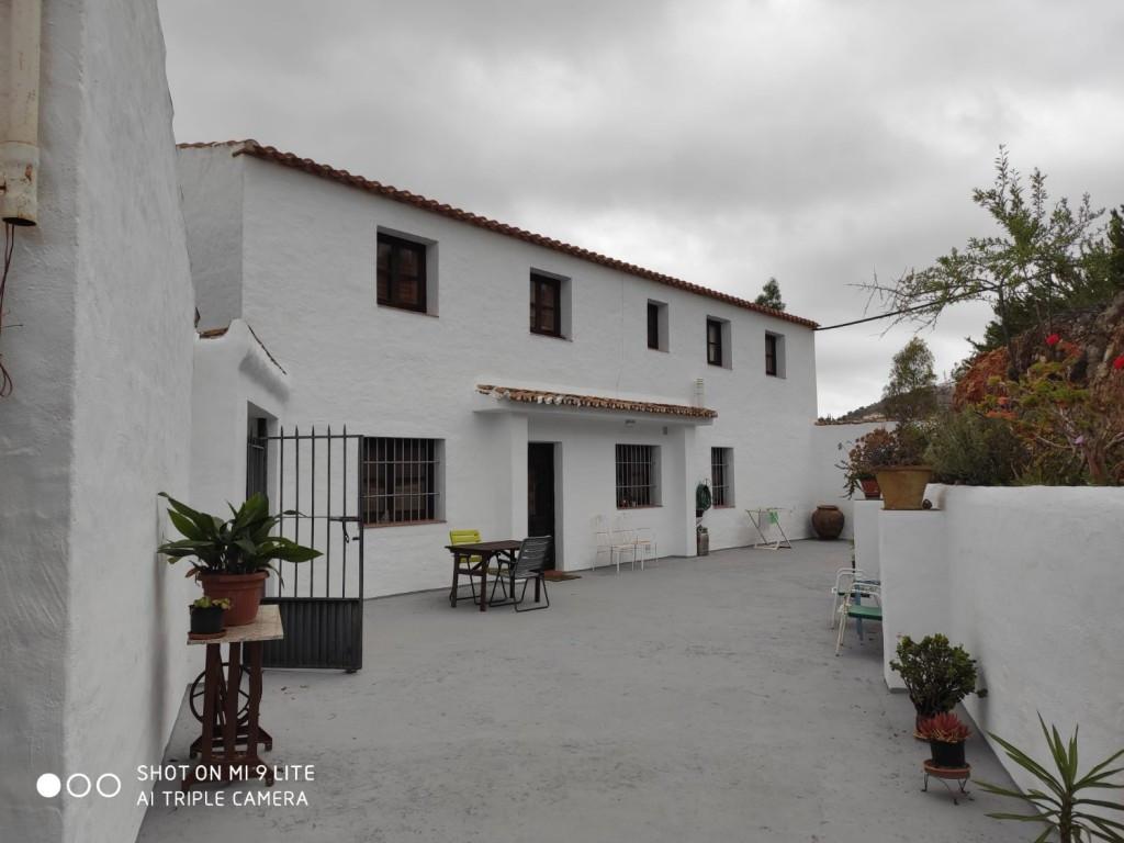 Gård/hus på landet Til salg i Almogía R2412764