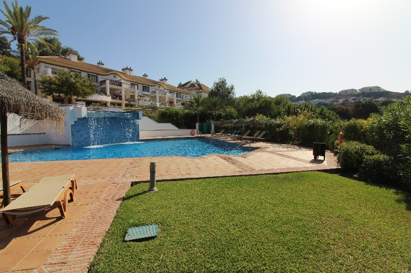 Large spacious townhouse house with a fantastic view, large bright living / dining room with large w, Spain