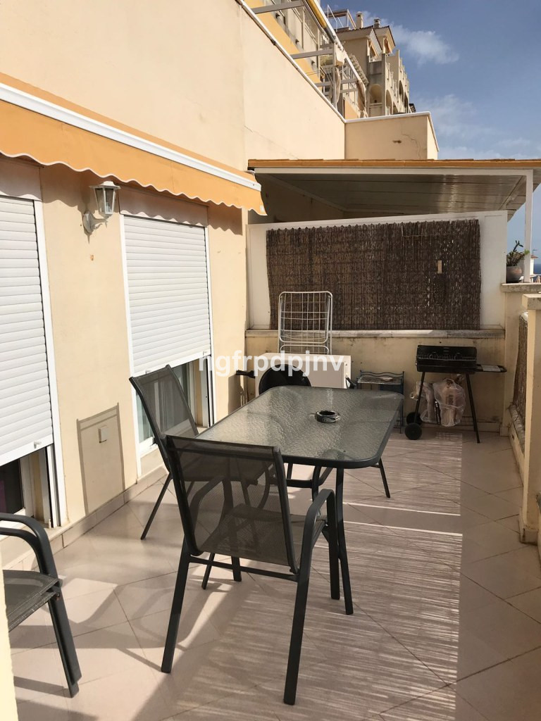 Middle Floor Apartment, Benalmadena Costa, Costa del Sol. 2 Bedrooms, 1 Bathroom, Built 80 m², Terrace 12 m².  Setting : Town, Close To Sea, Close To Town, Close To Schools, Urbanisation. Orientation : South West. Condition : Excellent. Pool : Communal. Views : Sea. Features : Lift, Fitted Wardrobes, Private Terrace, Storage Room. Furniture : Part Furnished. Kitchen : Fully Fitted. Garden : Communal. Parking : Underground. Category : Holiday Homes, Investment, Resale.