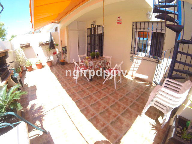 Nice townhouse in a  quiet area with panoramic views in Santangelo norte   Townhouse, Arroyo de la Miel, Costa del Sol. 2 Bedrooms, 2 Bathrooms, Built 125 m², Terrace 55 m².  Setting : Close To Sea, Close To Town, Close To Marina. Orientation : South. Condition : Excellent. Pool : Communal. Climate Control : Air Conditioning, Hot A/C, Cold A/C. Views : Panoramic. Features : Fitted Wardrobes, Private Terrace, Marble Flooring. Furniture : Fully Furnished. Kitchen : Fully Fitted. Garden : Communal. Parking : Underground, Covered, Open, Private. Category : Cheap, Reduced, Resale.