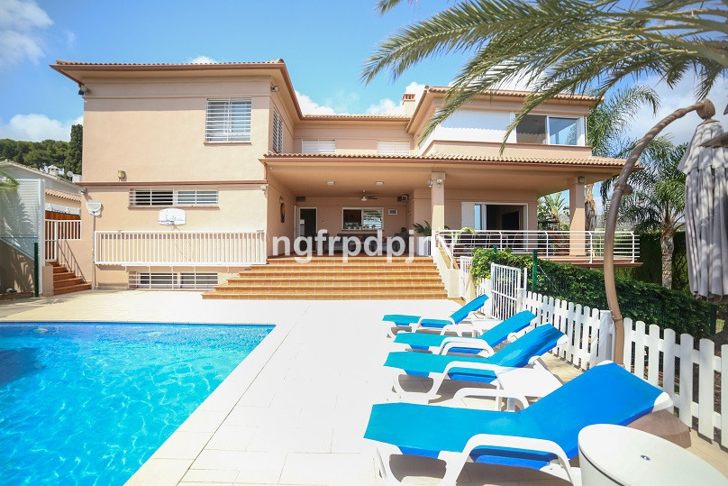 Excellent panoramic sea views,  the bay of Malaga and the future Torremolinos golf course views. Max,Spain