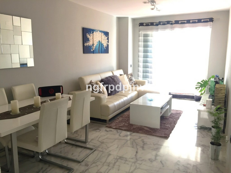 Beautiful penthouse with distribution as follows : 1st floor with 2 bedrooms (one of them with wardrobe), 1 bathroom, living room, open kitchen and large terrace; 2nd floor, terrace solarium with barbecue, 1 room, 1 bathroom and 1 kitchen.  Penthouse, Benalmadena Costa, Costa del Sol. 2 Bedrooms, 2 Bathrooms, Built 90 m².  Setting : Close To Sea, Close To Town, Urbanisation. Condition : Excellent. Pool : Communal. Climate Control : Pre Installed A/C. Views : Garden, Pool. Features : Lift, Fitted Wardrobes, Private Terrace. Furniture : Part Furnished. Kitchen : Fully Fitted. Garden : Communal. Parking : Underground, Private. Category : Holiday Homes, Investment, Resale.   Penthouse, Benalmadena Costa, Costa del Sol. 2 Bedrooms, 2 Bathrooms, Built 64 m², Terrace 6 m².  Setting : Close To Sea, Close To Town, Urbanisation. Condition : Excellent. Pool : Communal. Climate Control : Pre Installed A/C. Views : Garden, Pool. Features : Lift, Fitted Wardrobes, Private Terrace. Furniture : Part Furnished. Kitchen : Fully Fitted. Garden : Communal. Parking : Underground, Private. Category : Holiday Homes, Investment, Resale.