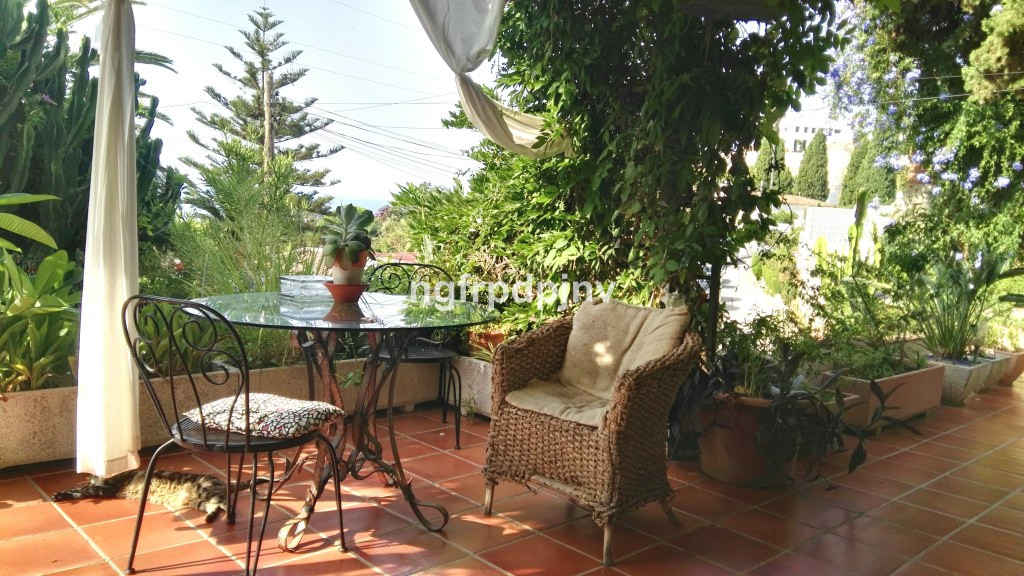 Villa of 2 floors with private pool and garden.  On the main floor there is  kitchen , living room, ,Spain