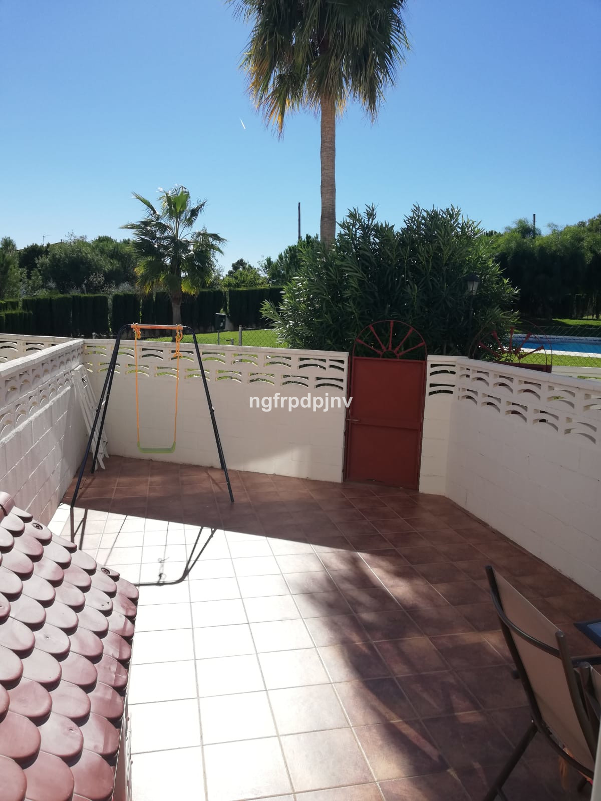 Ground Floor Apartment, Benalmadena, Costa del Sol. 2 Bedrooms, 2 Bathrooms, Built 92 m², Terrace 20 m².  Setting : Town, Commercial Area, Close To Golf, Close To Shops, Close To Sea, Close To Town, Close To Schools, Urbanisation. Condition : Excellent. Pool : Communal. Climate Control : Air Conditioning. Features : Fitted Wardrobes, Near Transport, Private Terrace, Storage Room. Furniture : Fully Furnished. Kitchen : Fully Fitted. Garden : Communal. Parking : Underground, Communal, Private. Category : Resale.