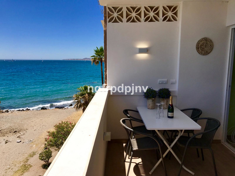 Beautiful beachfront apartment - 1 large bedroom completely renovated - 78 m2 (including 12 m terrace)  It is sold fully furnished and equipped.  Easy to rent. There is a rental license from the Junta de Andalucía.   Middle Floor Apartment, Benalmadena Costa, Costa del Sol. 1 Bedroom, 1 Bathroom, Built 78 m², Terrace 12 m².  Setting : Beachfront, Town, Close To Sea, Close To Town. Orientation : South. Condition : Excellent. Climate Control : Pre Installed A/C. Views : Sea, Panoramic. Features : Lift, Fitted Wardrobes, Near Transport, Private Terrace. Furniture : Fully Furnished. Kitchen : Fully Fitted. Parking : Street. Category : Beachfront, Holiday Homes, Investment, Resale.