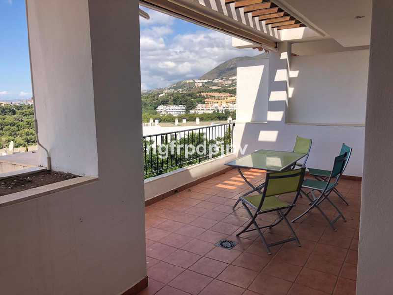 Middle Floor Apartment, Benalmadena Costa, Costa del Sol. 2 Bedrooms, 2 Bathrooms, Built 120 m², Terrace 20 m².  Setting : Town, Close To Golf, Close To Sea, Close To Town, Close To Schools, Urbanisation. Condition : Excellent. Climate Control : Air Conditioning. Views : Panoramic. Features : Lift, Fitted Wardrobes, Near Transport, Private Terrace, Storage Room. Furniture : Fully Furnished. Kitchen : Fully Fitted. Garden : Communal. Parking : Communal. Category : Holiday Homes, Investment, Resale.