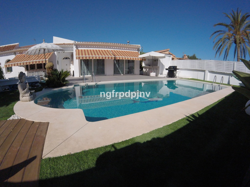 Beautiful villa in Benalmadena, all on one floor without any architectural barrier. The house has ai, Spain