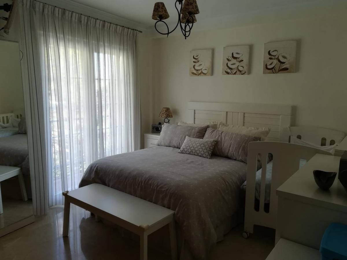 Apartamento con 4 Dormitorios en Venta Benalmadena Pueblo