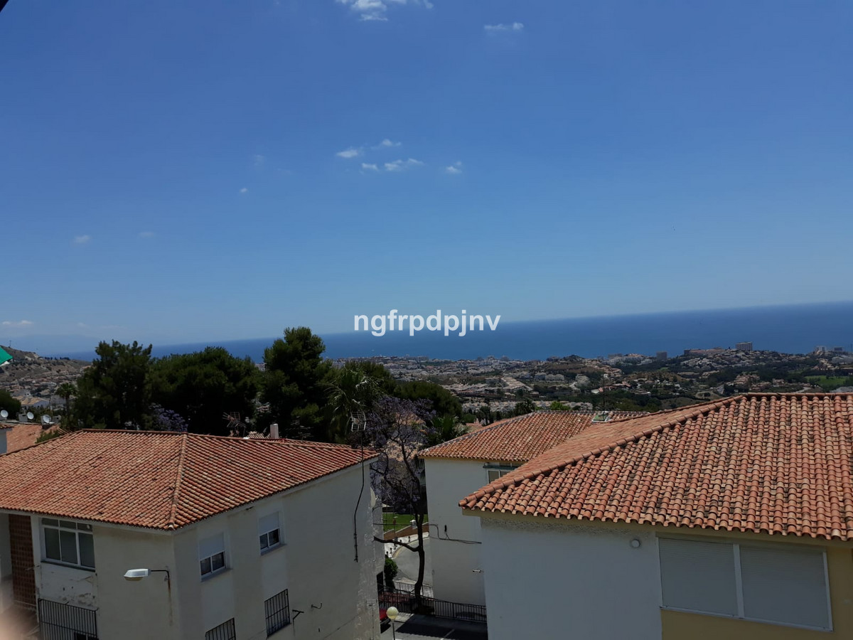 Apartment  Middle Floor 													for sale  																			 in Benalmadena Pueblo