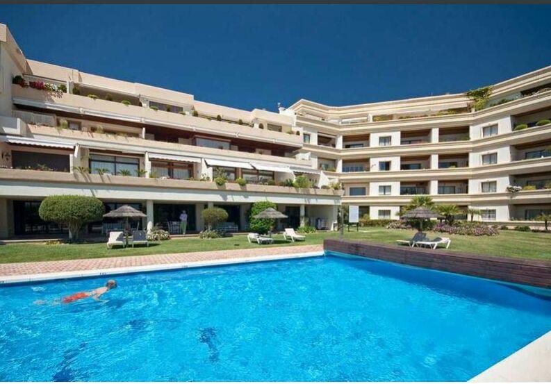 Middle Floor Apartment in Las Brisas for sale