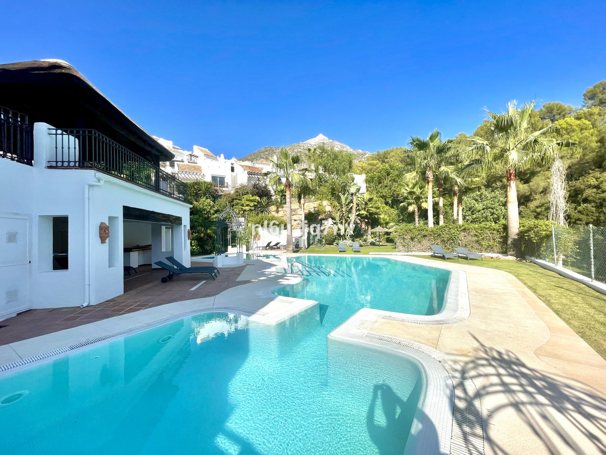 Situated just 9 mins from the Golden Mile and 10 into Puerto Banus, this is a small, unique developm,Spain