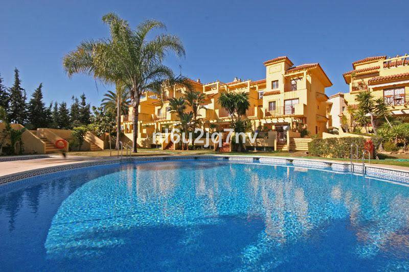 Ref:R3639974 Townhouse - Terraced For Sale in Estepona