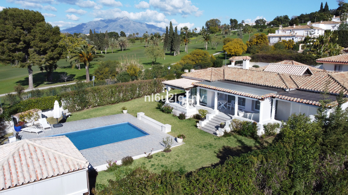 Ref:R3628145 Villa - Detached For Sale in El Paraiso