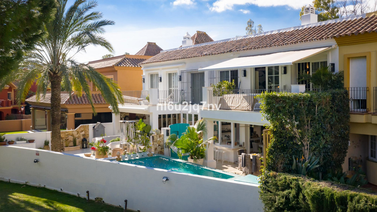 Ref:R3338887 Townhouse - Terraced For Sale in Guadalmina Alta