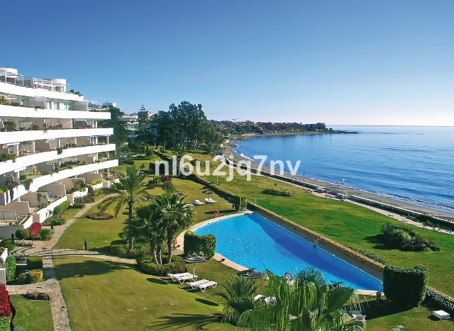 Ref:R2686031 Apartment - Penthouse For Sale in Estepona