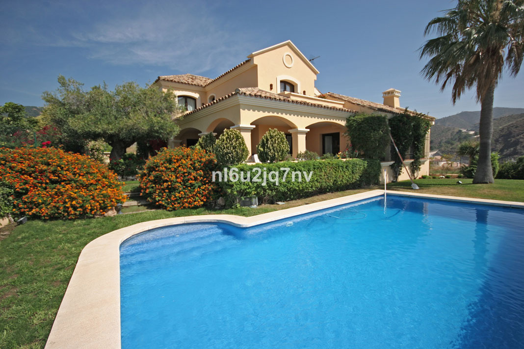 R2944577: Villa - Detached for sale in La Quinta