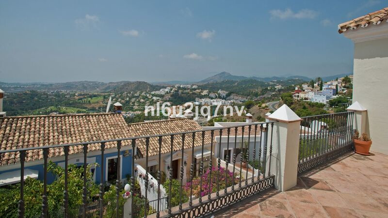 Ref:R3305245 Villa - Semi Detached For Sale in Benahavís