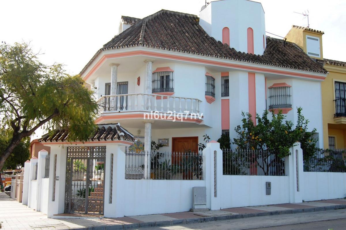 Marbella Banus Pareado en Venta en San Pedro de Alcántara – R2596145