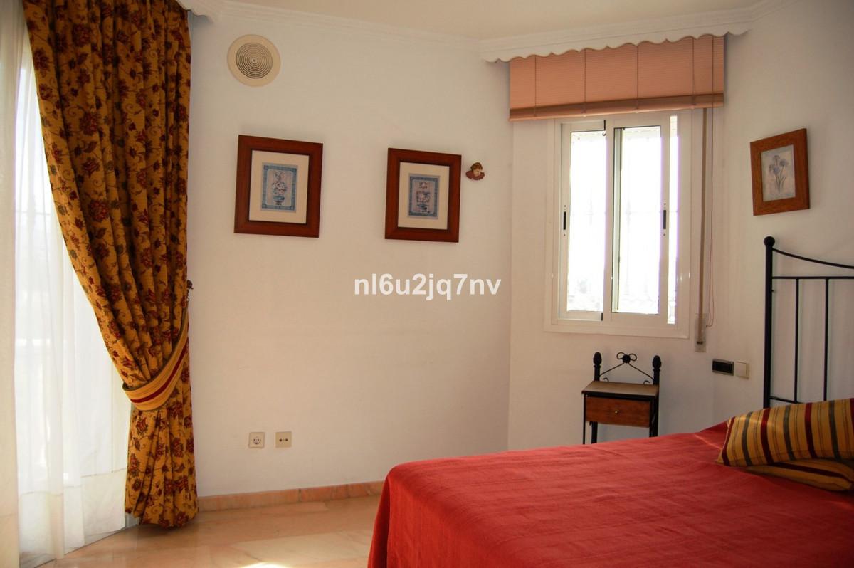 Villa con 5 Dormitorios en Venta San Pedro de Alcántara