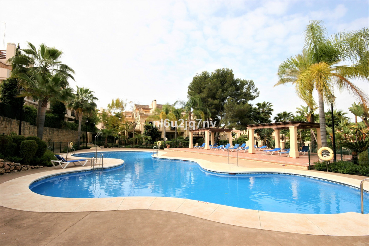 Ref:R3518752 Apartment - Ground Floor For Sale in Nueva Andalucía