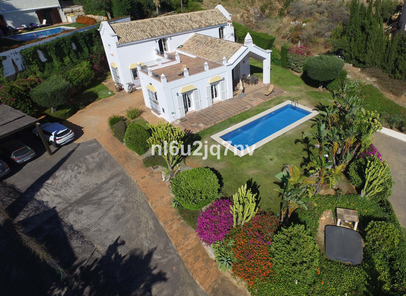 Villa for sale in Istan 5