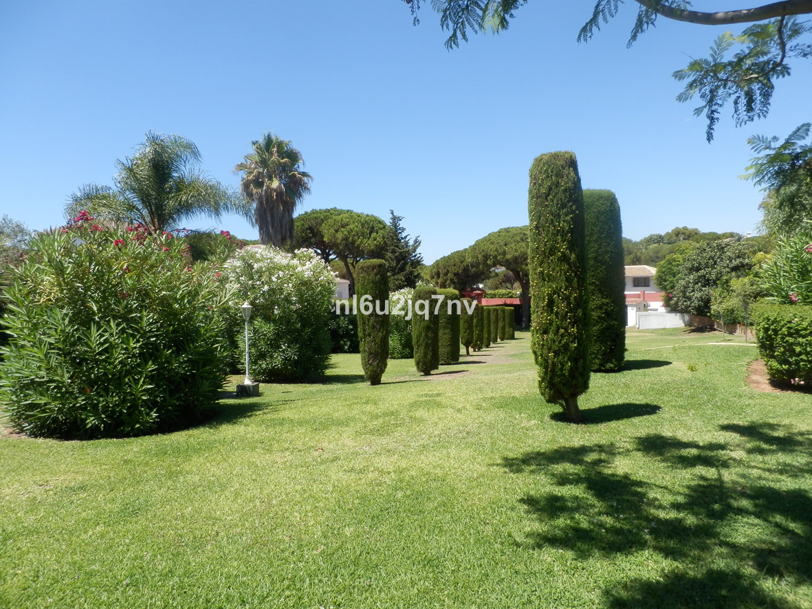 5 Bedroom Villa for sale Calahonda