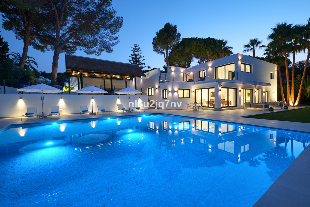 Marbella Banus Villa – Chalet en Venta en Nueva Andalucía – R3374662