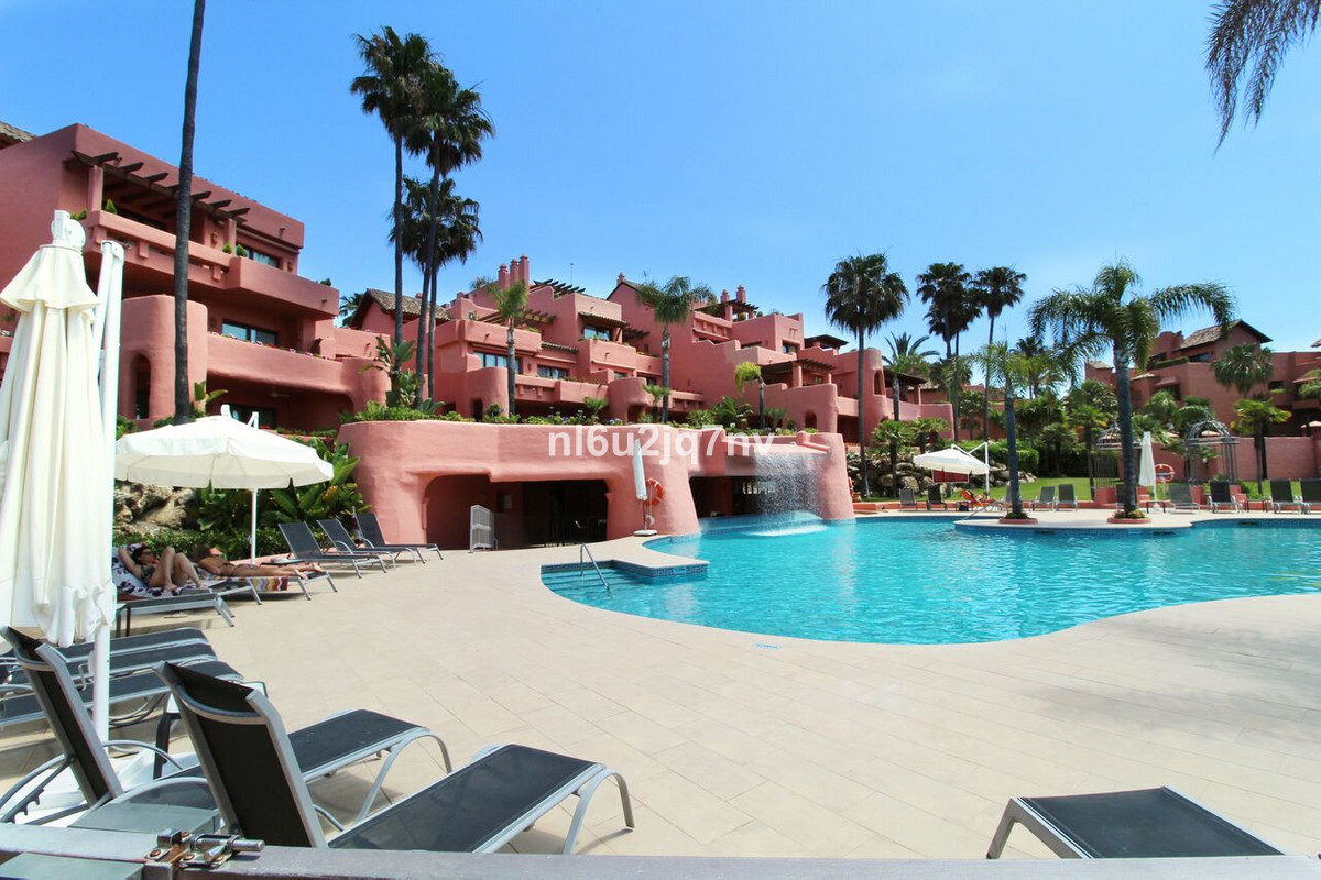 The best value beachfront property located in the most luxurious 5 star urbanisation on the New Gold,Spain