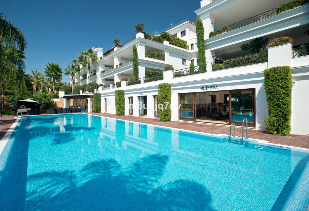 Ref:R2538497 Apartment - Middle Floor For Sale in Estepona