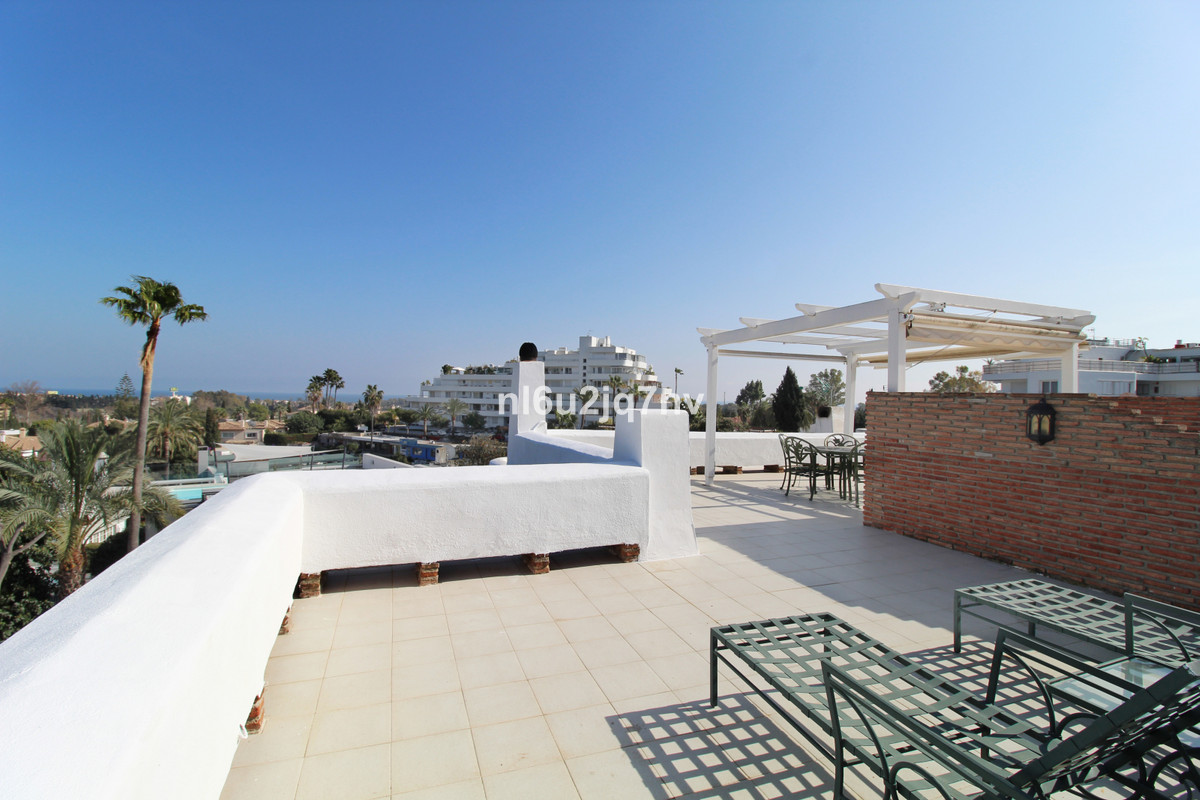 .Large corner 4 / 5 townhouse which offers the most amazing panoramic sea, golf and La Concha views ,Spain