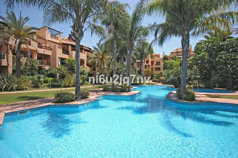 Ref:R2696717 Apartment - Penthouse For Sale in El Paraiso
