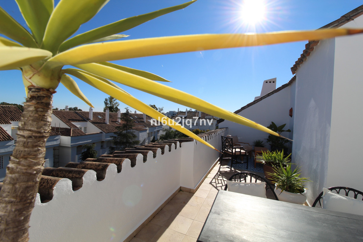 Appartement  Penthouse en location  à Guadalmina Baja