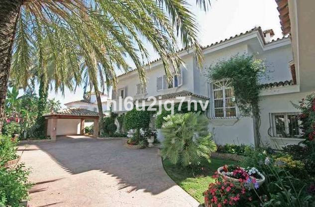Ref:R2696825 Villa - Detached For Sale in El Paraiso
