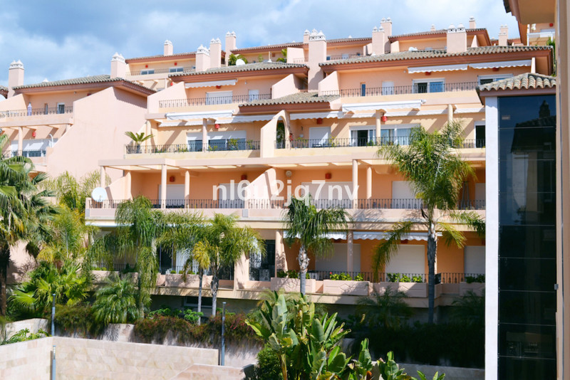 Ref:R2435513 Apartment - Penthouse For Sale in Nueva Andalucía