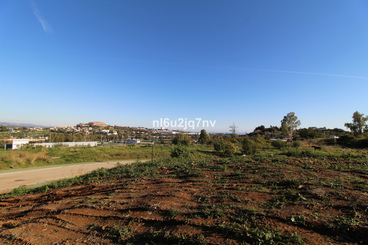 Elevated corner plot with sea views situated in a quiet turning. The plot has a proposed project wit,Spain