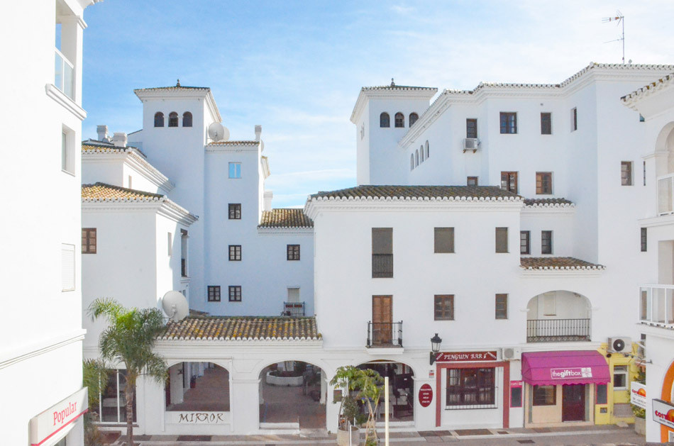 Middle Floor Apartment - La Duquesa