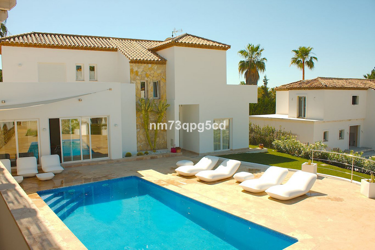 Ref:R3522367 Villa - Detached For Sale in Nueva Andalucía