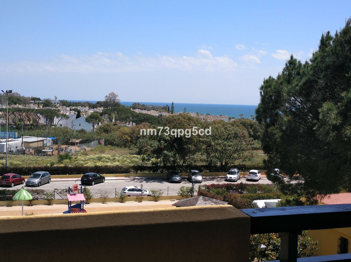 3 bedroom apartment for sale elviria