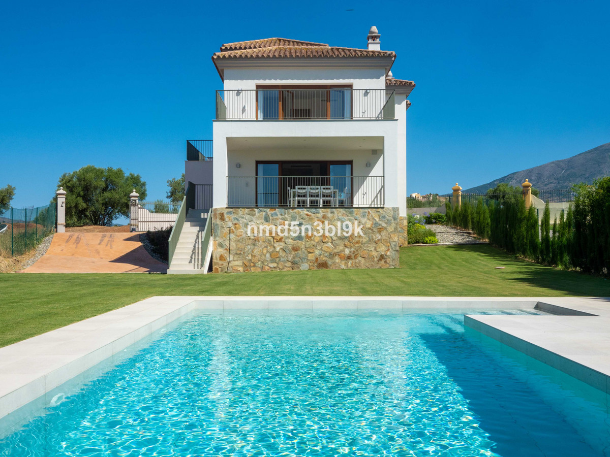 Fantastic newly built detached villa in the quiet and luxurious Mijas Golf urbanization. The house i, Spain