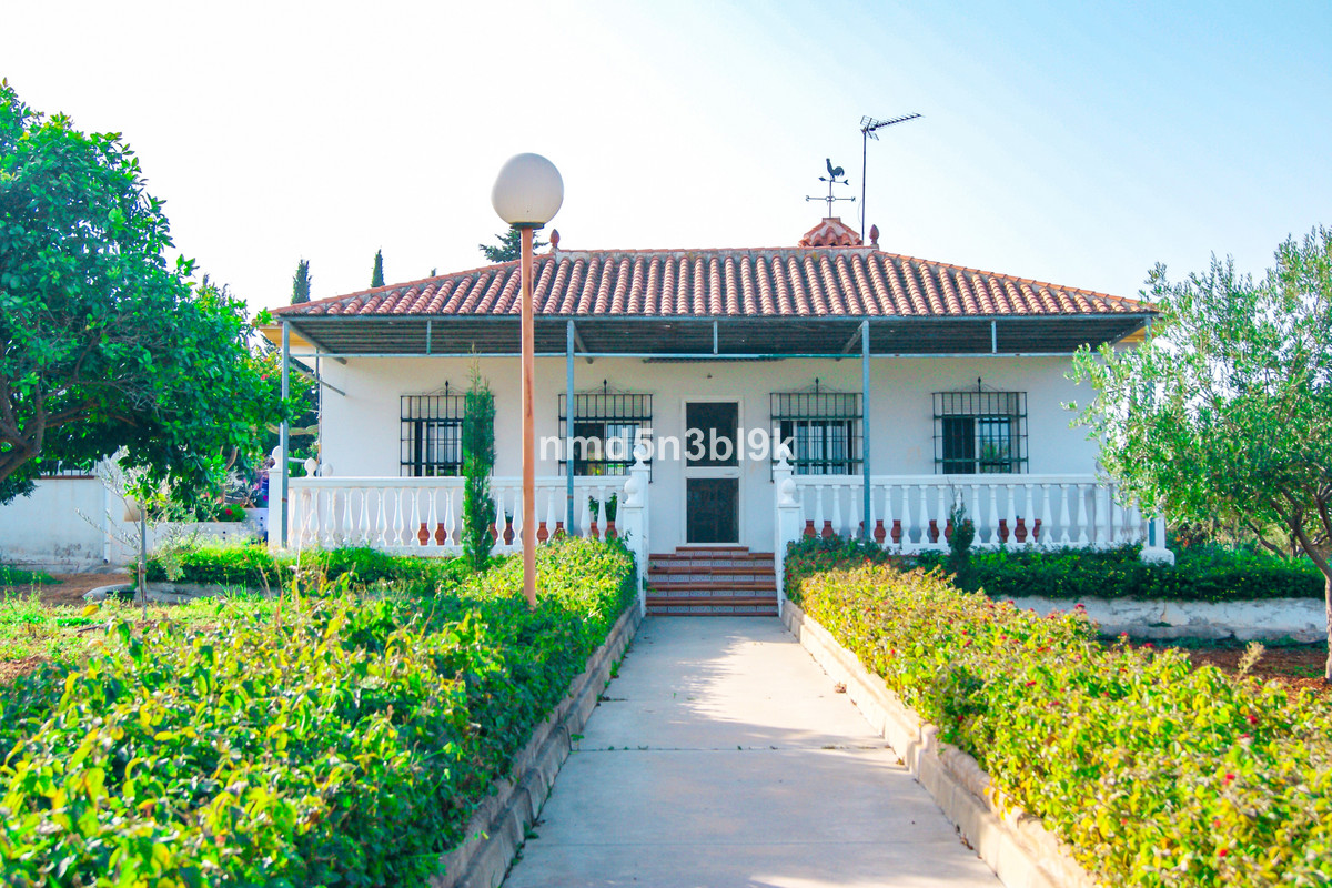 Fantastic Finca of 4035 m2 located very close to the golf course of Alhaurin de la Torre and a few k,Spain